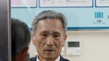 '기무사 계엄령' 김관진 前실장 11시간 조사 후 귀가