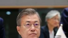"""문대통령 """"비핵화 전면적 이행단계…여건되면 남북경협 본격화"""""""