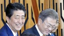 아베, '외교부 국장 쓰러졌다' 소식듣고 文 위로