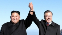 """홍콩 언론 """"한국, 美-中 무역전쟁 영리하게 잘 피해가고 있다"""""""