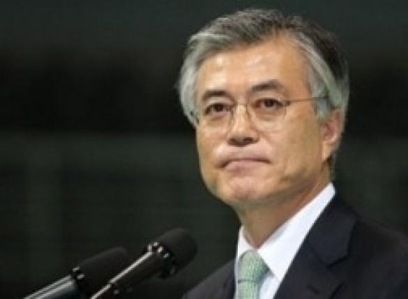 """""""문재인은 북조선 정치인"""" 위키백과 버젓이…"""
