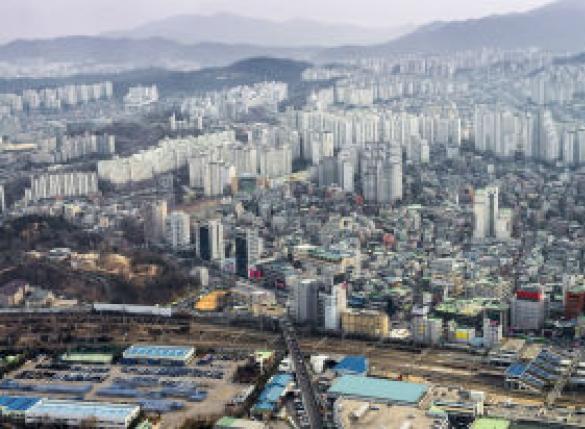 서울 아파트값 2주 연속 하락…낙폭 커져