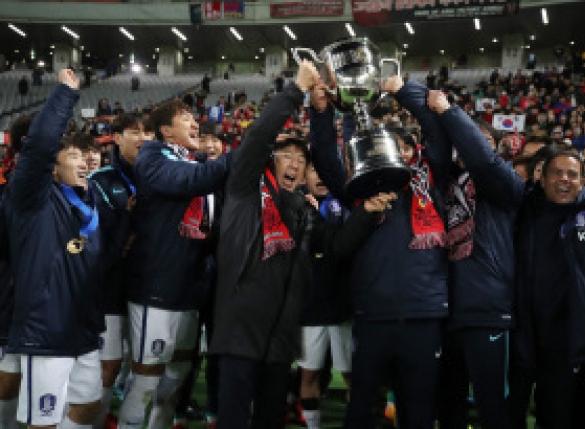 한국 동아시안컵 우승..35년만의 한일전 3골차 대승