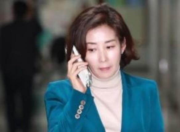 """""""평창 北 체제 선전장"""" 나경원 서한에…비난 청원"""
