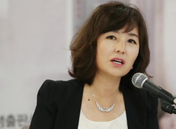 """공지영 """"김부선, 죽음 직전 갔다가 내 증언으로 살아나"""""""