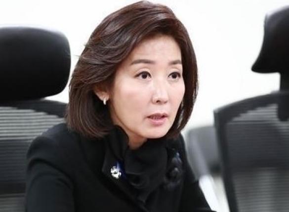 """나경원 """"안희정 차기 대통령감, 김지은 자유로운 결정? 이해 불가"""""""