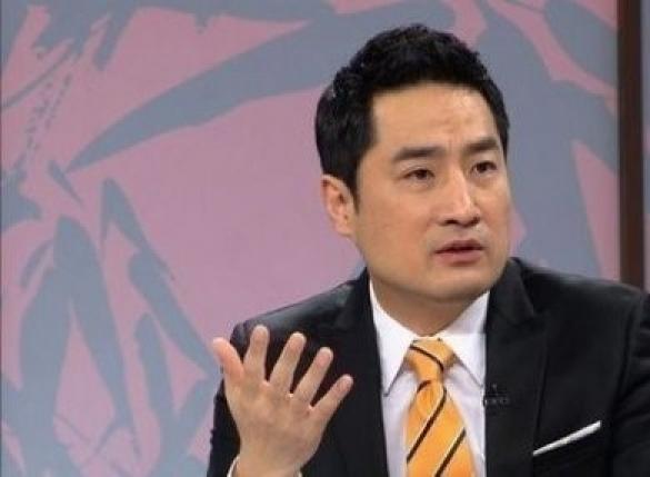 """강용석, 이재명 저격…""""혼자서 생쇼 신체검증 증거가치 없다"""""""