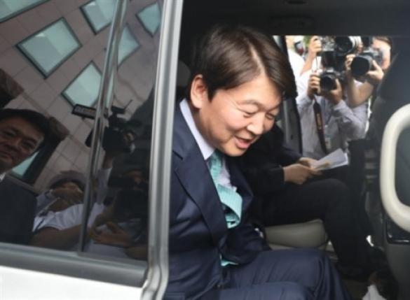[단독] 안철수, 첫 지방 일정으로 광주 5·18 묘역行
