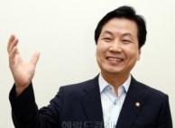 중소벤처기업부 장관에 홍종학 전 의원..文정부 내각 인선...