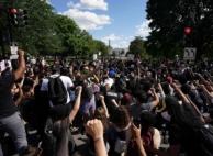 성난 시위대에 '깜놀'…트럼프, 한때 지하벙커 피신