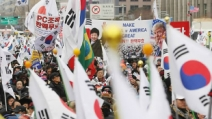"""""""태극기 왜 안들어""""…길가는 시민 폭행한 탄핵반대 집회..."""