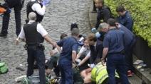 테러 아비규환 속…주저없이 뛰쳐 들어간 英 정치인