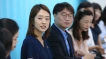 박수현 자리 비운 靑, 고민정 부대변인이 활약한다