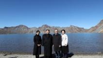 남북 정상 내외, 백두산 천지 산책…강경화 동행