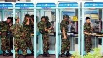 """""""엄마, 곧 점오들어가""""…모든 병사 휴대전화 허용"""
