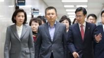 黃, 거듭 불협화음…'장막정치' 뒷말 무성