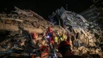 """외교부 """"터키·그리스 지진으로 현재까지 한국인 피해 없어..."""
