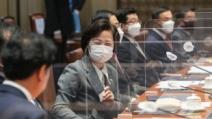 """추미애 """"불편한 진실은 계속 이어져야 한다""""…또 SNS 검..."""