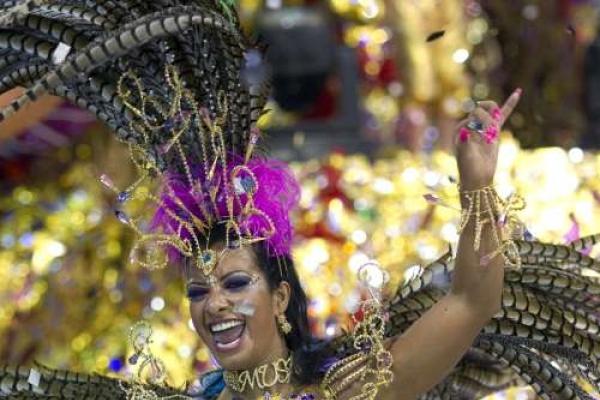 Rio's roving street bands keep Carnival free, fun