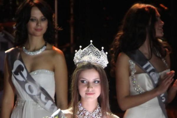 Natalia Gantimurova wins Miss Russia 2011 beauty pageant