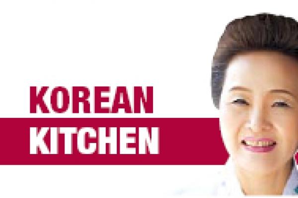 Yukgaejang (spicy beef and leek soup)