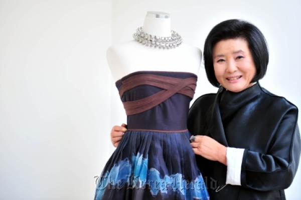 Hanbok designer to hold show on Dokdo