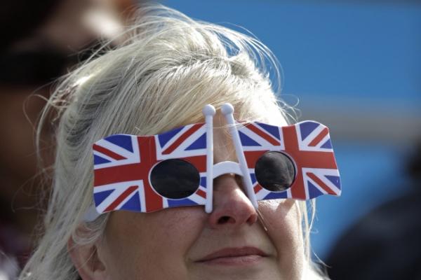 Wear it proud: Flag as a fashion statement