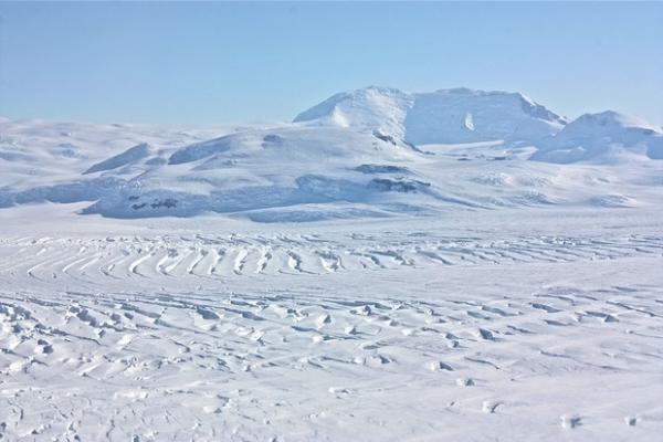 Scientists to probe lake hidden under ice