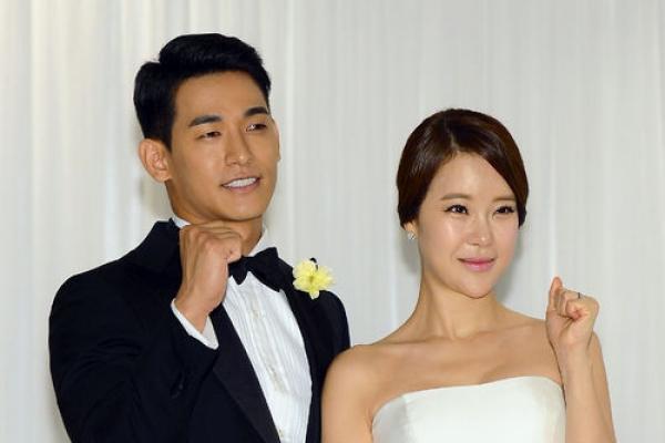 Singer Baek Ji-young suffers miscarriage