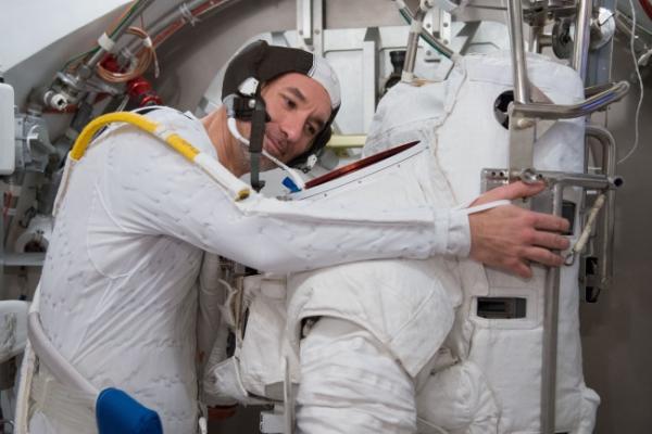 Astronaut recounts terror