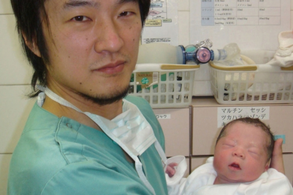 Baby is born in Japan after ovary experiment