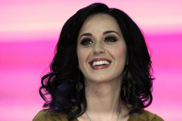 Katy Perry the new queen of Twitter