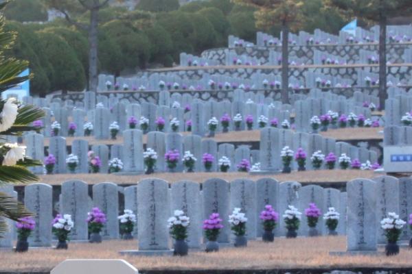 [Newsmaker] War veteran buried alongside his men