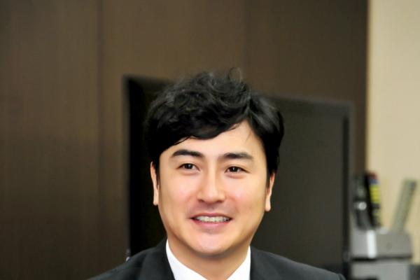 Ahn Jung-hwan becomes soccer commentator
