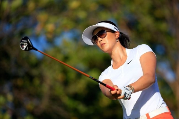 Stanford takes 1-shot lead over Wie at LPGA Lotte