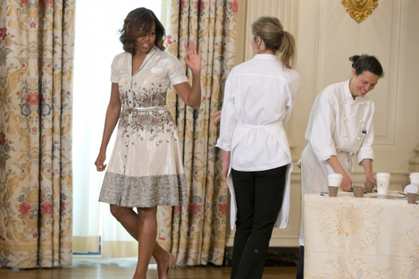First lady's fashion raises question: Who pays?
