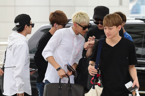 EXO leaves for China in casual look