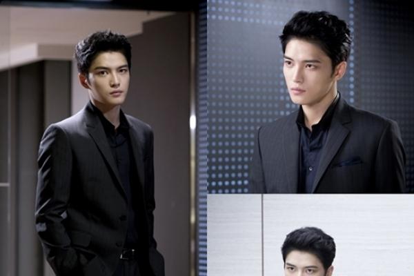 Kim Jae-joong boasts 'heart-throbbing' fashion in 'Triangle'