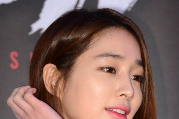 Lee Min-jung returns to parents' home, not to marital home