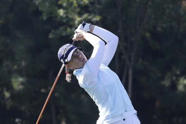 Icher claims 2nd round lead at KEB-HanaBank