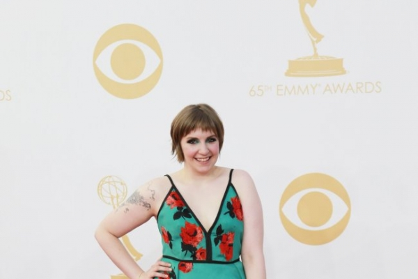 Lena Dunham connects with her many 'awesome' fans in Seattle