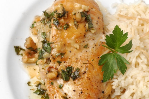 Blue cheese, walnuts take chicken to another level