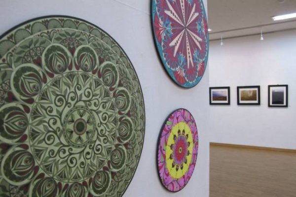 Daejeon expats open own art gallery
