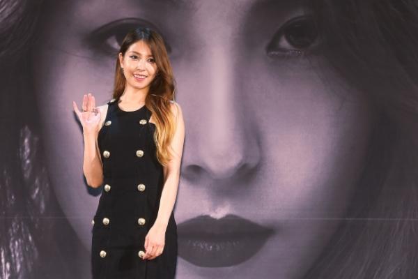 BoA reveals feminine side in 'Kiss My Lips'