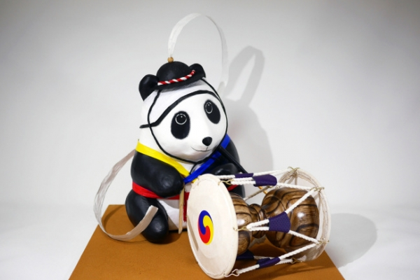 Green enthusiasts welcomed to adopt handcraft pandas