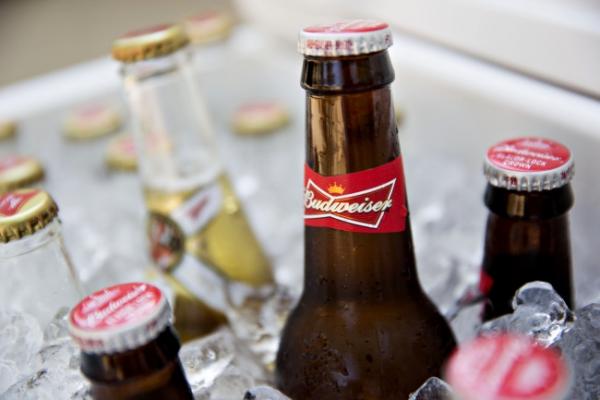 [Newsmaker] Makers of Budweiser, Miller eye global merger