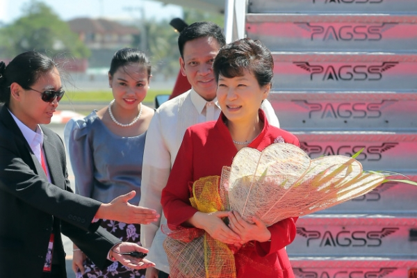 Park calls for lifting of trade barriers