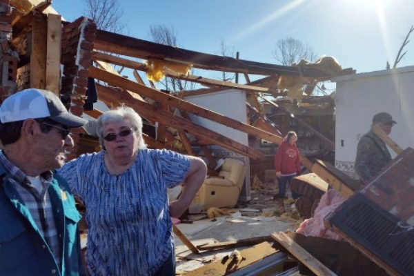Christmastime tornadoes ravage US South, killing at least 14