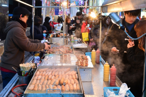 [Weekender] Moveable feasts: Street foods shed humble beginings