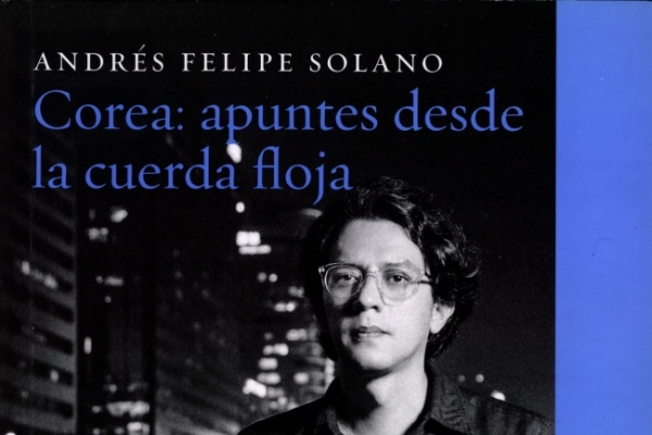 Solano receives renowned Colombian literature award